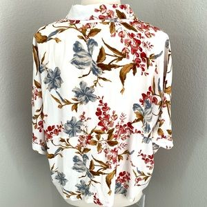 Vince Camuto Tops - Vince Camuto Floral Blouse